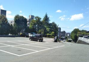 健軍神社駐車場